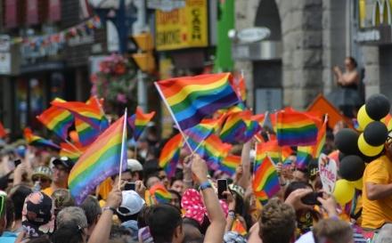 Prihvaćen zahtjev za legalizaciju istopolnih brakova u FBiH