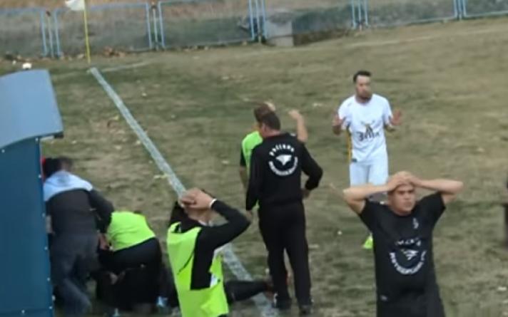 Brčko: Fudbaler nakon duela sa protivničkim igračem udario glavom od betonsku klupu
