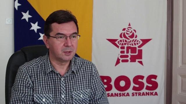 Ajanović: U ime Dana ustanka naroda BiH i u inat fašistima čestitke svim borcima antifašistima i građanima uz pozdrav – SMRT FAŠIZMU