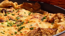 Piletina i gljive u lisnatom tijestu