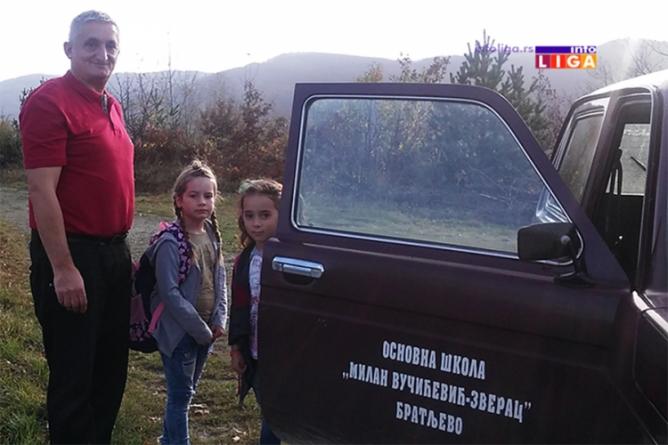 Direktor za primjer: Godinama dovozi i odvozi učenike i do najudaljenijih sela