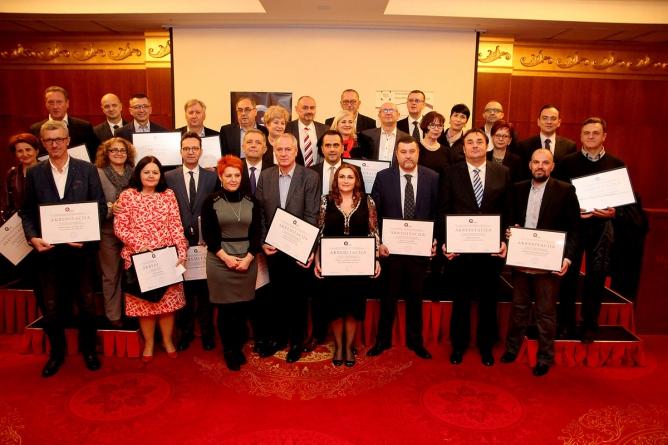 UKC-u Tuzla dodijeljena akreditacija za kvalitet, prvom kliničkom centru u BiH koji je prošao sveukupan proces akreditacije