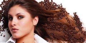 Pranje kose kafom doprinosi zdravijim, sjajnijim i ljepšim vlasima