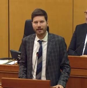 Pernar poručio HDZ-ovim zastupnicima: Za kvadrat Čovićeve vile spremni ste raseliti vlastiti narod  /VIDEO/