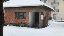 Tužna scena ispred kuće u kojoj su živjeli maleni Sovići