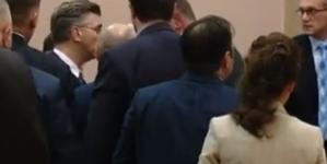 Umalo tuča u Hrvatskom saboru između premijera Plenkovića i zastupnika Grmoje