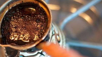 """Amerikanci su tek sad """"otkrili"""" džezvu i… nazvali su je """"turski grijač za kafu"""""""