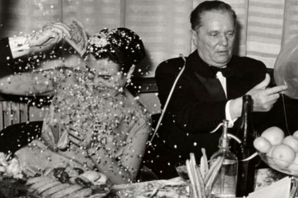 Josip Broz umjesto Djeda Mraza, u Sarajevu ludo i nezaboravno: Kako su Tito i Jovanka slavili Novu godinu