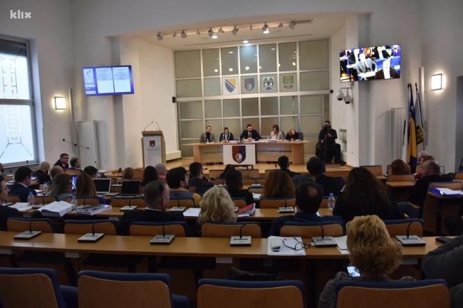 Ukinuti paušali od 580 KM zastupnicima u Skupštini Kantona Sarajevo