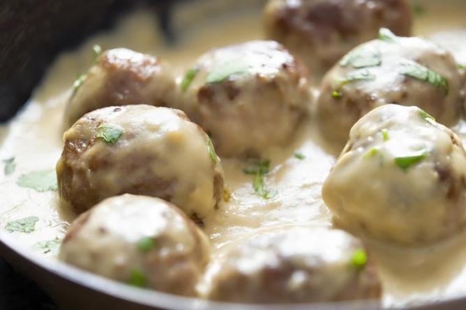 Ćufte u kajmaku su ručak stvoren za gurmane: Lako se prave, a ne mogu biti ukusnije! (RECEPT)