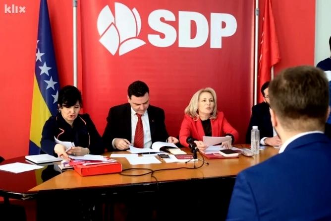 Glavni odbor SDP-a odbio da raspravlja o ostavkama rukovodstva