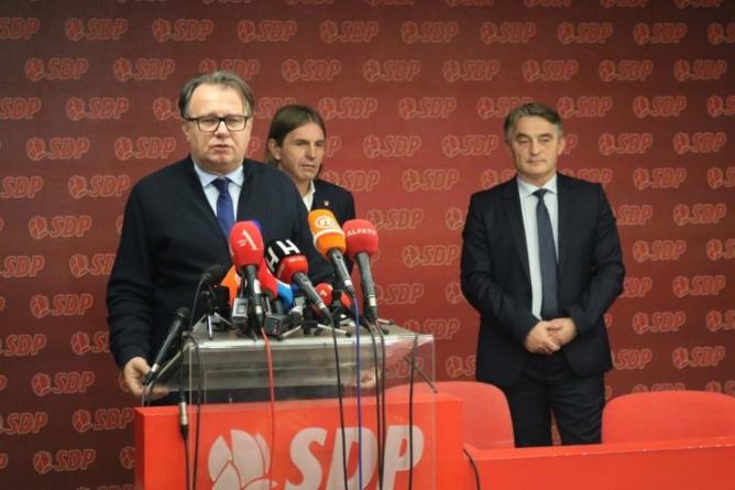 Socijaldemokratija između dvije vatre: Bh. blok opstaje, ali do kada
