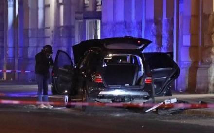 Bosanci pali u ruke njemačkoj policiji, u automobilu sakrili 17 granata