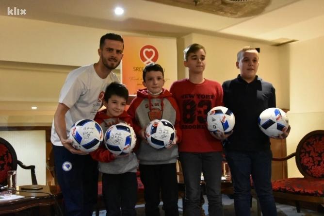 Pjanić ambasador Roditeljske kuće u Tuzli: Djeca zaslužuju da im se pomogne i olakša