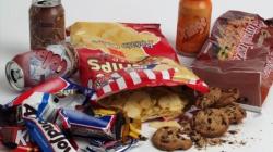 Zašto toliko volimo grickalice i čokoladu
