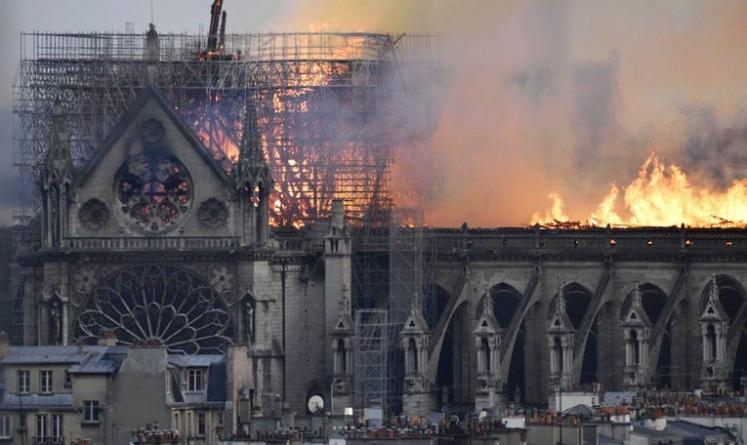Zašto je bilo tako teško ugasiti požar u katedrali Notre-Dame?