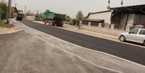 Izgradnja i asfaltiranje treće kolovozne trake i pješačke staze u Dubravama