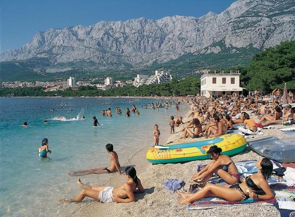 Odmor na Jadranu sve nedostižniji, obitelji za tjedan potrebne tri plaće
