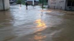 Poplave ipak zahvatile TK: U Orahovici i Banovići Selu najkritičnije/FOTO/