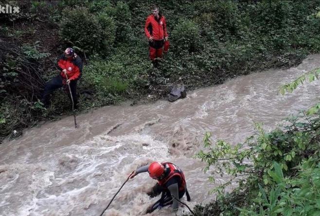 Obustavljena potraga za dječakom koji je upao u nabujali potok kod Žepča