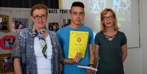 "Na izložbi fotografija završen projekat Mješovite srednje škole Tuzla ""Za naše bolje sutra-spojimo ruke"""