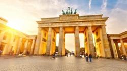 U Njemačkoj 1,8 miliona osoba zatražilo zaštitu od progona