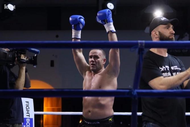Dževad Poturak i Adnan Redžović slavili na borilačkom spektaklu King of Kings