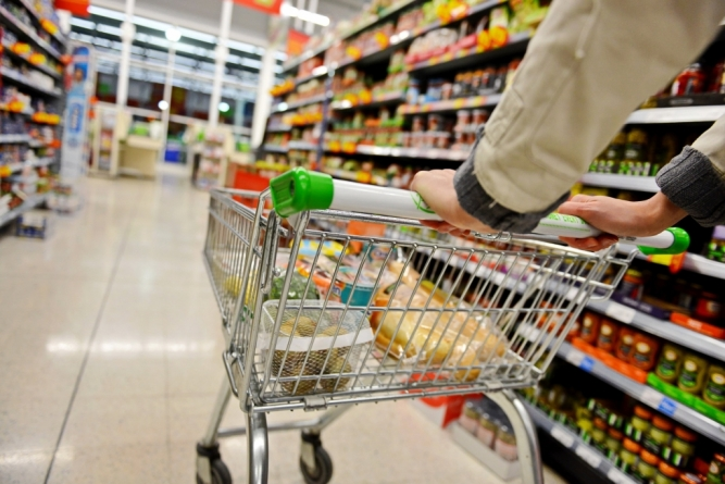 Kako s mršavom plaćom kupiti hranu, izmiriti režije, vratiti kredite, opremiti školarca…