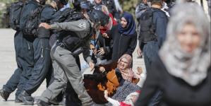Sukobi u kompleksu Al-Aksa džamije: Vjernici napadnuti gumenim mecima, suzavcima i pendrecima