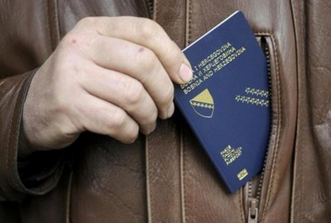 U četiri i po godine više od 8.000 mladih odreklo se bh. državljanstva