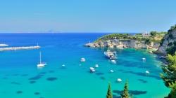 Grčka skoro dvostruko jeftinija od Hrvatske: Parking, suncobran i ležaljka dva, pivo tri i po eura