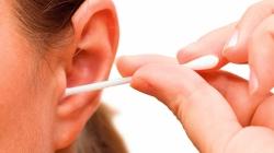 Zašto je opasno koristiti štapiće za uši: Postoji lakša i sigurnija metoda čišćenja