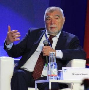 """Stjepan Mesić: """"Beograd kaže da poštiva jedinstvenu BiH, a u isto vrijeme podržavaju Dodika"""""""
