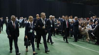 Dobro se SDA otvorila: Izabrano nula Srba, nula Hrvata, nula ostalih, nula mladih i 1 žena!