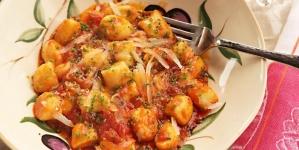 Krompir s paradajzom i feta sirom