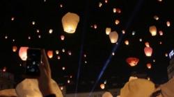 'Plamen života': Puštanje u zrak lampiona želja u Tuzli