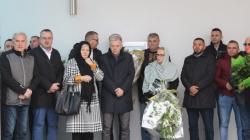 Više od stotinu članova delegacije PDA BiH na Dan državnosti odalo počast Sulejmanu Tihiću