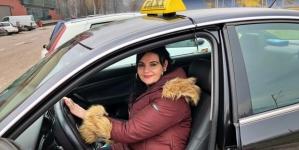 Ovo je jedina taksistkinja u Zenici: Žene se najviše obraduju kad me vide za volanom