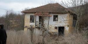 Spašena djevojčica Monika za kojom je tragala cijela Srbija, Malčanski berberin u bjekstvu