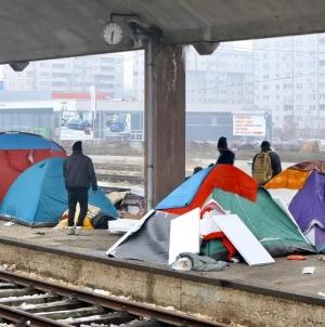 Migranti u Tuzli postavili šatore, vlast odustala od predlaganja novih lokacija za njihov smještaj