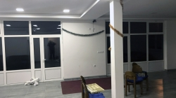 Tuzla: Pljačkaši tokom noći opustošili porodičnu kuću Muratovića