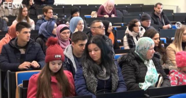 Medžlis IZ Tuzla stipendira 43 učenika i studenata iz TK i Podrinja