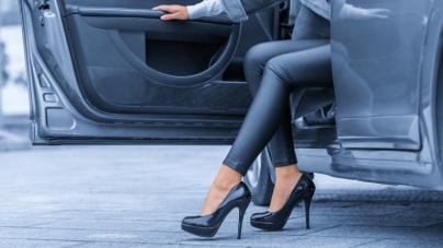 Ova obuća nije pogodna za vožnju, a evo šta trebate nositi umjesto nje