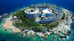 Crna Gora ostrvo-zatvor u Boki pretvara u ekskluzivnu turističku atrakciju