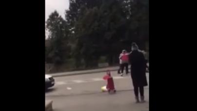 Dvojica muškaraca se potukla ispred zeničkog Konzuma zbog vreće brašna