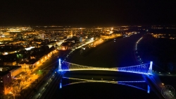 Most u Osijeku zasijao u bojama zastave BiH: Podrška u danima borbe s koronavirusom