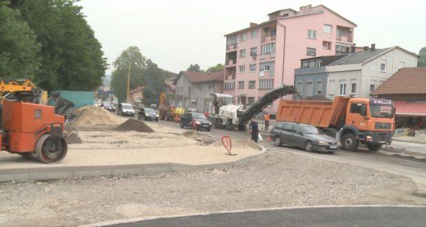U toku sanacija i semaforizacija raskrsnice kod Livnice