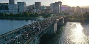 Stotine hiljada demonstranata širom SAD-a, u New York sukob s policijom