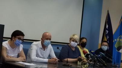 Direktor UKC-a Tuzla: Dok neki u kupaćim gaćama idu na kupališta, mi se borimo sa virusom; Svi koji ne vjeruju neka obuku odijela i dođu sa mnom u prostorije Infektivne klinike…