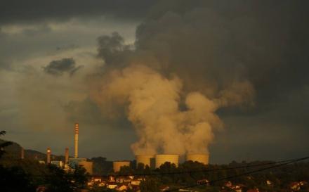 Nova studija: Dugotrajna izloženost zagađenom vazduhu u Tuzli i Lukavcu znači skraćeni životni vijek 2.4 godine